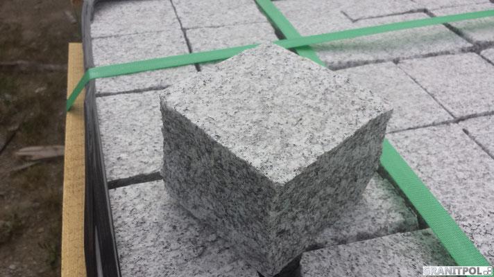 Gesägte Pflastersteine aus Polen