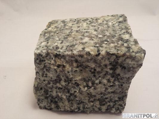 Grauer Granitstein aus Polen