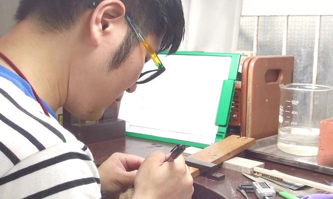 手作り婚約指輪の制作動画