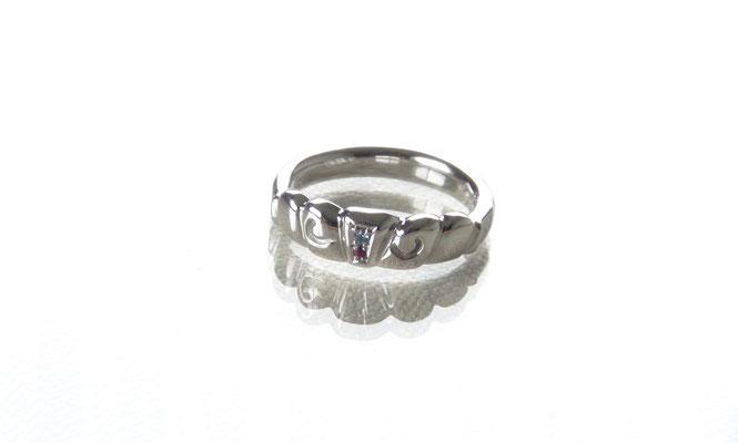 誕生石の婚約指輪