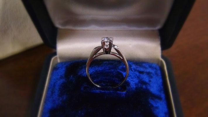 お母さんの婚約指輪