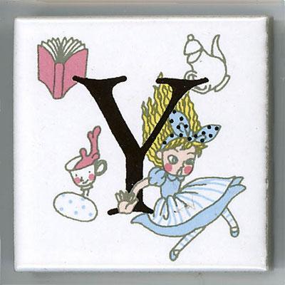 Shinzi Katoh シンジカトウ かわいい アルファベット タイル アリス Alice Y