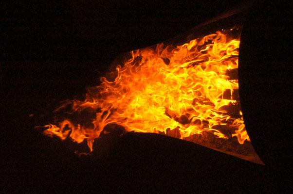 Das ein oder andere Motiv aus dem Feuer ist richtig super geworden.  Abends hatten wir dann die richtige Atmosphere für Wehrwölfe :)  ein super Spiel für Jugendgruppen