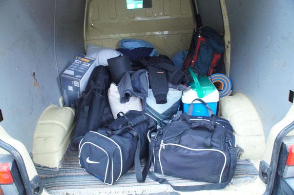 Selbst der Transporter war bis zur hälfte voll^^. Das Camping in 2015 wird wohl grösser werden :)