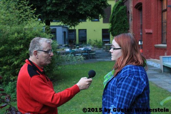 Die Sonnborner Jugendgruppe 'Bunter Ort' trifft sich auch ab und zu in der BJ, und gibt gerne ein Interview.