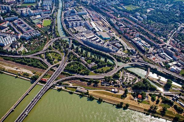 Hubschrauberflug über Wien