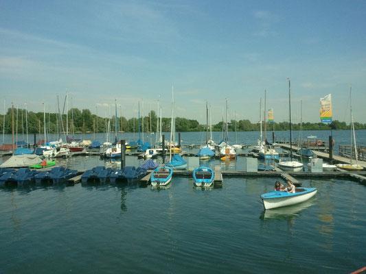 Boote im Hafen Vynen