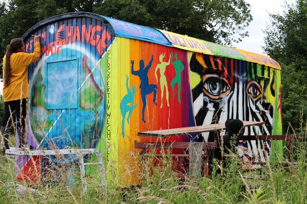 Bauwagen Graffiti-Art im interkulturellen Garten Gesamtschule Ennigerloh Neubeckum 2018