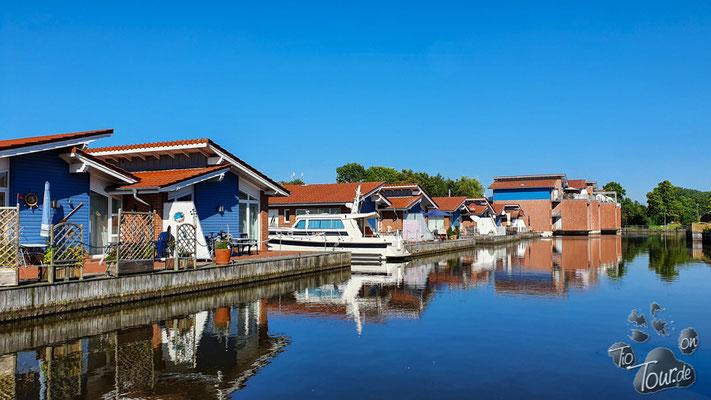 Hafen von Weener - mein Haus, mein Schiff...