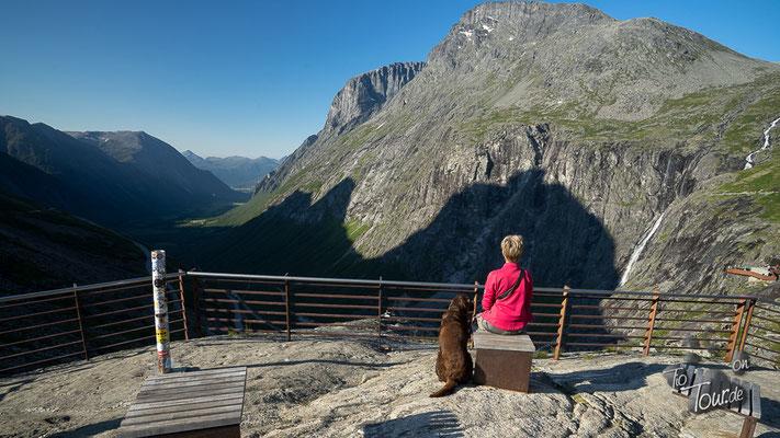 Blick vom Trollstigen ins Tal