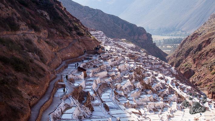 Salineras de Maras - hier wird auch nach Jahrhunderten immer noch Salz abgebaut