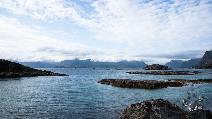 Über die Küstenstraße nach Henningsvær