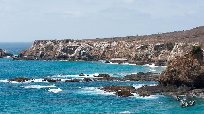 Isla de La Plata - eine schroffe Felsenküste