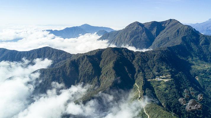 Camino de la Muerte - über den Wolken - Drohnenansicht