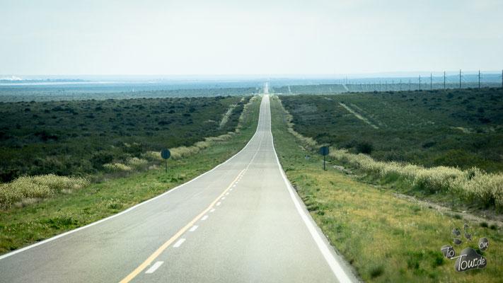 ...bitte in 120km im Kreisverkehr die 2. Ausfahrt nehmen ;-)