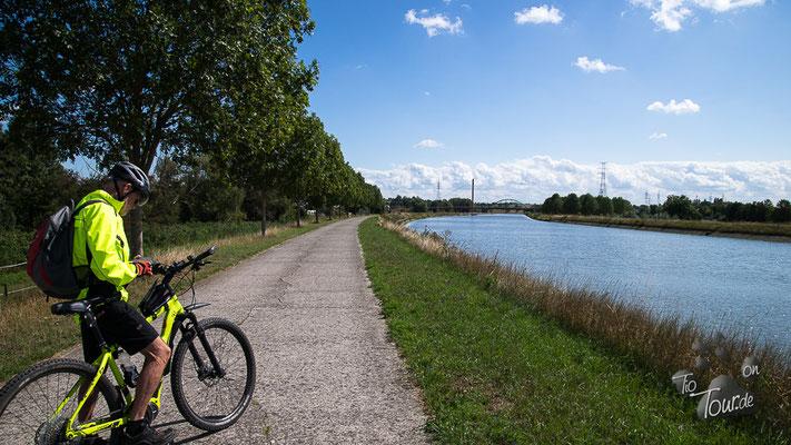 Radtour entlang des Canal du Centre