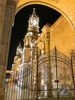 Arequipa - die Kathedrale bei Nacht