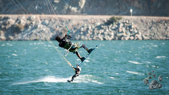 Kite Surfer auf dem Embalse Puclaro