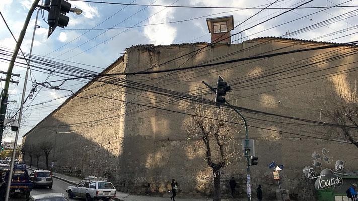 Das Gefängnisviertel mit Wachturm