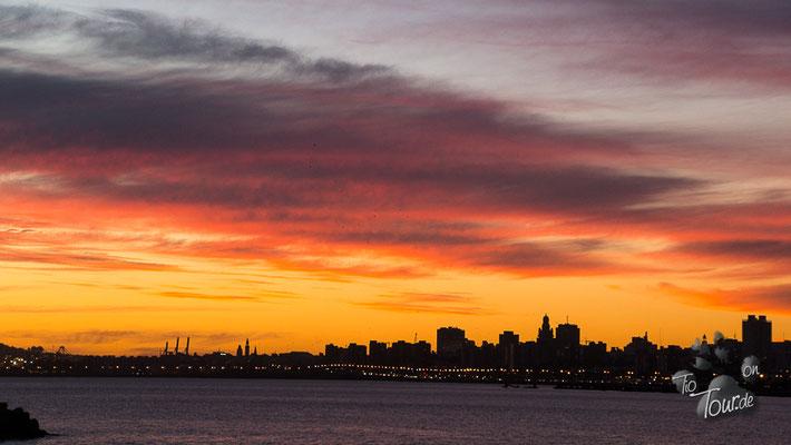 Sunset mit Blick auf Montevideo