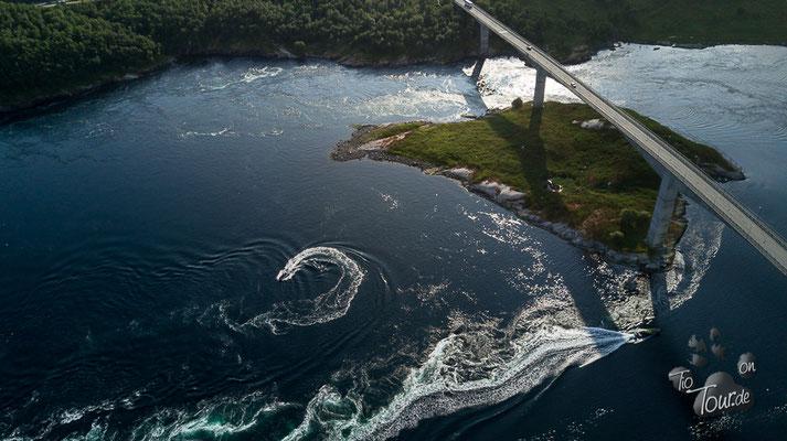 Saltstraumen - größter Gezeitenstrom der Welt - Drohne