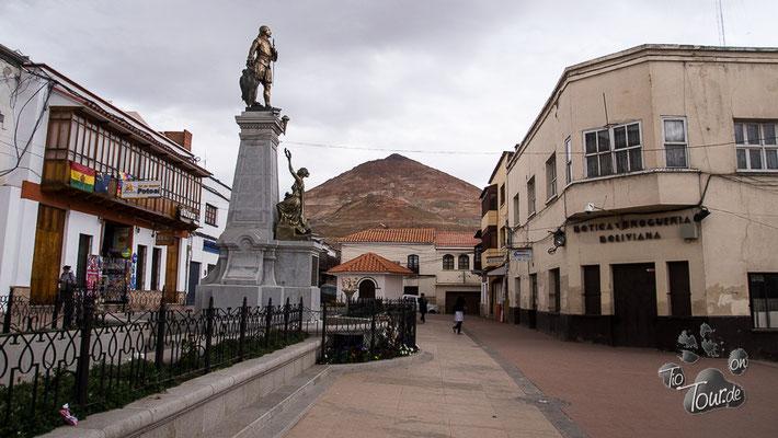 """Potosí - im Hintergrund der """"Cerro Rico"""""""