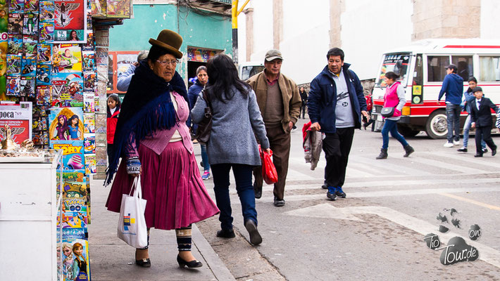 Potosí - Cholita mit bombin