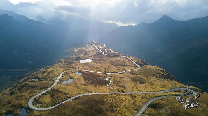 Auf dem Weg nach Cusco - Stellplatz mit Aussicht auf 4055m - Drohnenfoto