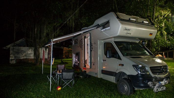 Camping Fogata - ein märchenhafter Stellplatz, auch bei Nacht