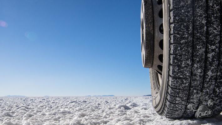 Salar de Uyuni - ... und immer schön rechts fahren