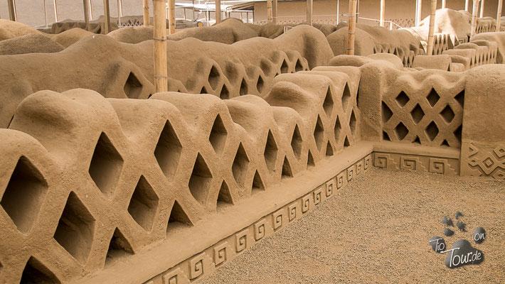 Chan Chan - kunstvoll verzierte Mauern