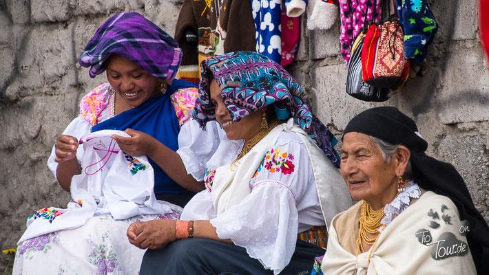 Viehmarkt in Otavalo - ein Schwätzchen am Rande