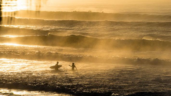 Die ersten Surfer heute morgen