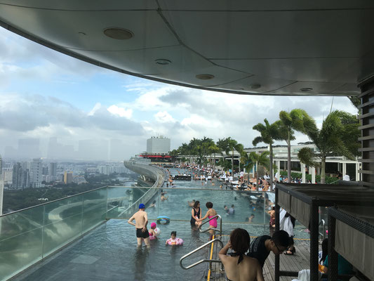 the infinity pool on top of the marina bay sands hotel