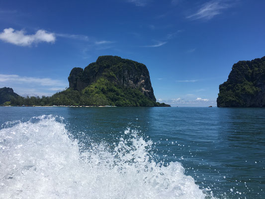on the way to Poda island