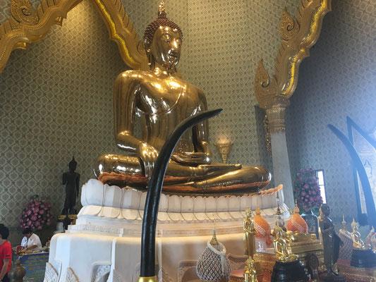 5.5 tonnes golden buddha