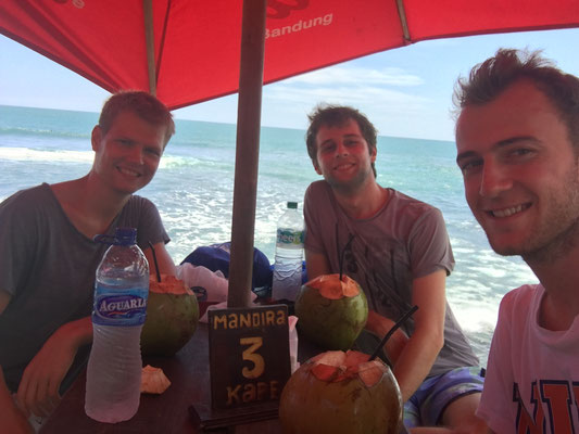 Coconut Drink with Olli and Thomas at the beach
