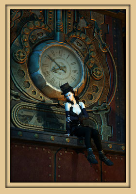 Viktorianische Kleidung an Frau vor Steampunkuhr. Digitale Kunst von Marcus Löhrer auf der Aachener Kunstroute 2016 in der Galerie Frutti dell'Arte und in der Ausstelung Spektrum 2016 im der Aula Carolina