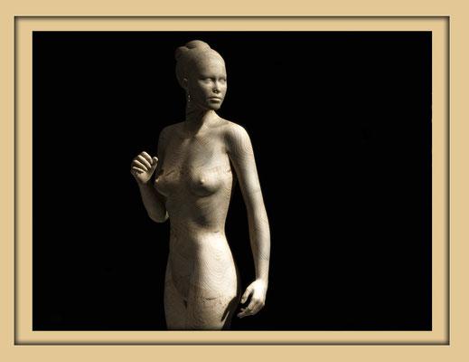 Digitale Holzskulptur auf der Aachener Kunstroute 2016 in der Galerie Frutti dell'Arte, Station 16 in der Aula Carolina, Ansicht Teilweise von vorne