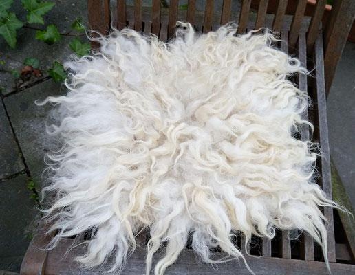 Veggie-Fellchen aus der Wolle vom schottischen Schwarzkopfschaf.