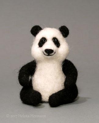 Panda, handgefilzt, 2016