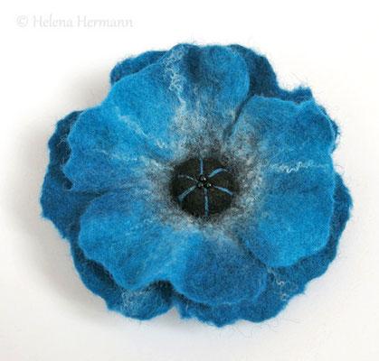 """Gefilzte Blumenbrosche und Haarschmuck, """"Blauer Mohn"""""""