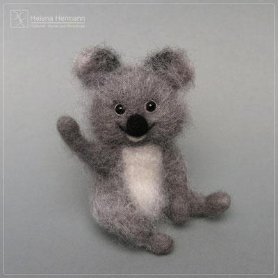 "Koalamädchen ""Fabienne"", nadelgefilzt, Auftragsarbeit 2019"
