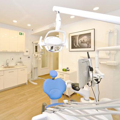 Dental_Studio_Przno_Budva_Montenegro_Dental-Office-Chair-2