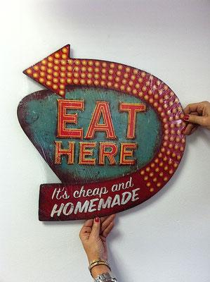 Metallschild Eat here