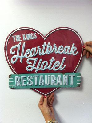 Metallschild Heartbreak Hotel