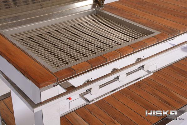Grill der Luxuxklasse aus V2A und Premium Teak / gebaut von HISKA Metalltechnik GmbH  Haberstr 42  D-42551 Velbert   Fon:  +(49)2051 9312-25  www.hiska.de  info@hiska.de