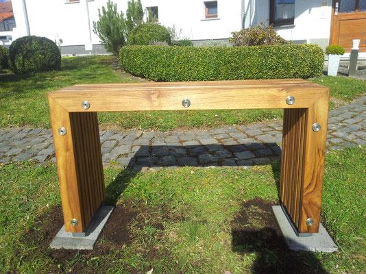 Gartenbank aus 90mm Premium Teak
