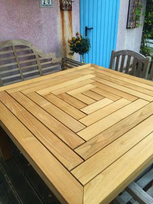 Sehr schöner Tisch aus 95mm Java Teak.