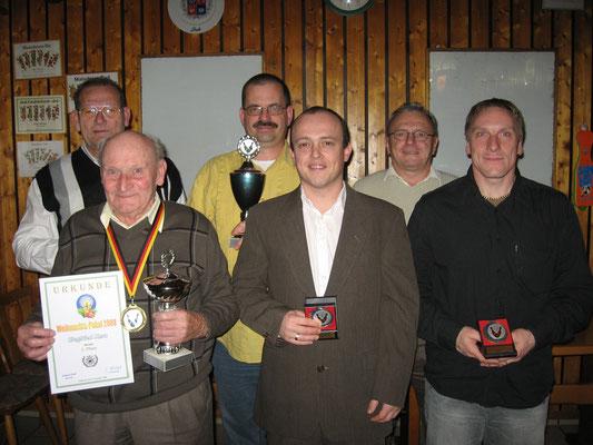 Pokalsieger 2008: v.l. Sportwart Gerhard Riedl, Siegfried Kern, Klaus Jakob, Carlo Korlek, Norbert Korlek und Jörg Korlek